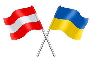 Österreichische und ukrainische Fahnen
