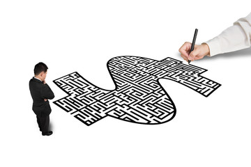 Hand drawing money shape maze for businessman