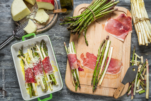 Preparations for the casserole with asparagus and cheese