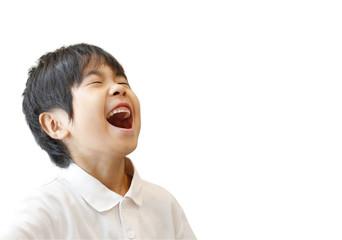 大爆笑する男の子