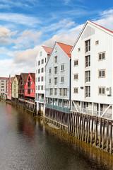 Alte Speicherhäuser in Trondheim am Nidelv