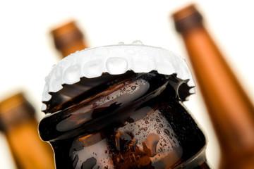 Bierflaschenkopf mit Kronkorken