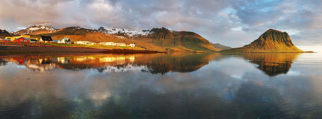 Panorama - Village in Iceland - Grundarfjordur - snaefellsnes