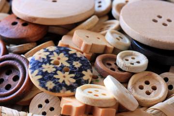 Деревянные пуговицы - набор для рукоделия
