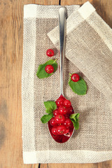 currant on spoon