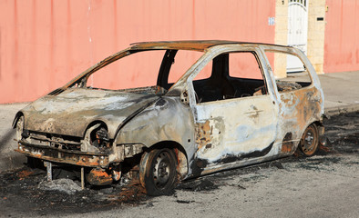 voiture brulée
