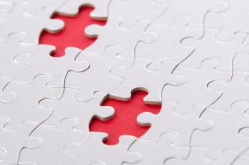 2 Puzzleteile rot unterlegt