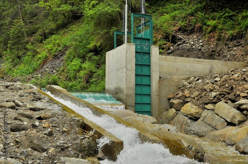 Staande foto Dam Microhydroelectric dam
