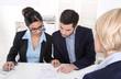 Business Team in einem Meeting: Männer und Frauen