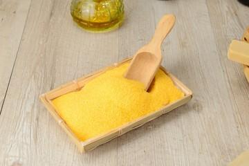 Farina gialla di mais macinato