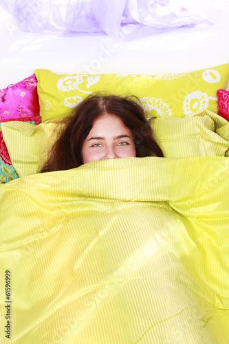 canvas print picture Hübsche Frau entspannt im Bett am Morgen - woman in bed