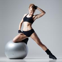 Remise en forme avec salle de gym ballon