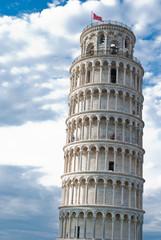 Torre pendente di Pisa e nuvole, campanile