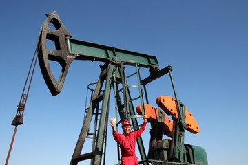 Oil Worker Well Paid Job