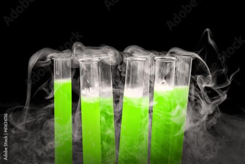 Próbówki i ciekły azot - 61636116