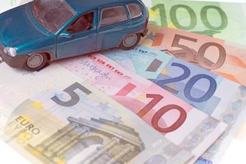 Auto und Euro Geldscheine