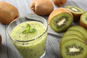 frullato di frutta kiwi