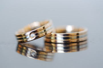 Rings on Glass Surface