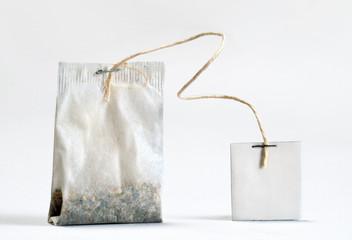 Detalle de una bolsa de te.