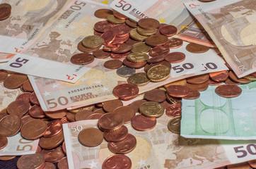 banconote e monete euro