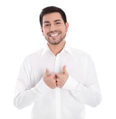 Glücklicher lachender junger Mann hat Freude - freigestellt