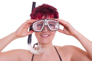 Frau mit Taucherbrille und Schnorchel