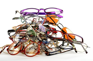 Pile of old used spectacles