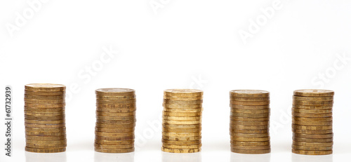 The row of 5 coin piles