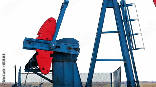 Working oil pump jacks