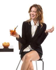 Donna beve aperitivo - spritz hour
