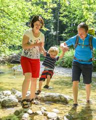 Flusswanderung mit der Familie