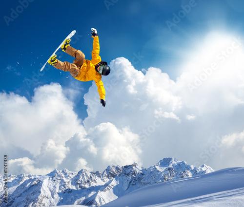 Foto op Aluminium Wintersporten jump in the clouds