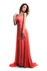 attraktive brünette junge Frau in langem Kleid