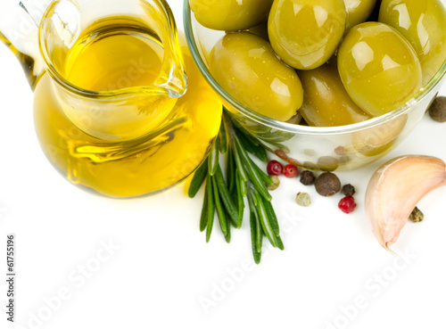 olive oil, olives and spices