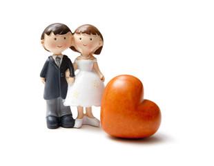 jeunes mariés et coeur