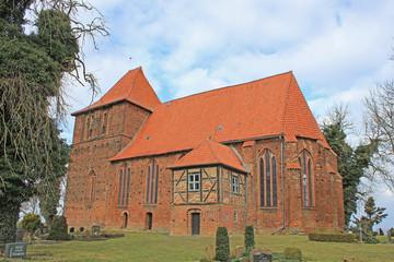 Spätgotische Backsteinkirche Hohenkirchen (15. Jh.)