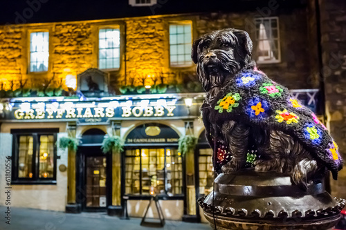 Foto Spatwand Historisch mon. Greyfriars Bobby statue and pub