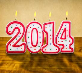 Brennende Geburtstagskerzen Nummer 2014
