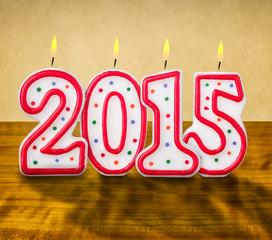 Brennende Geburtstagskerzen Nummer 2015