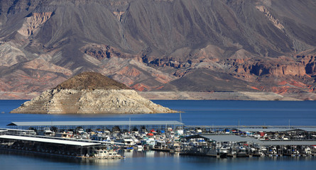 Boating in scenic lake Mead