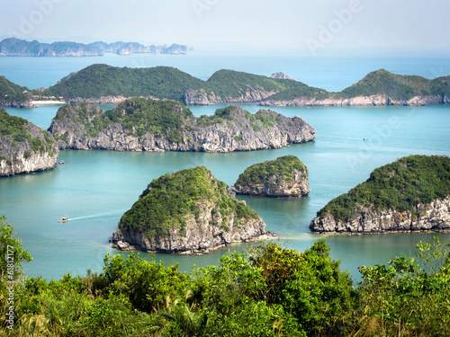 canvas print picture Limestone Islands in Halong Bay, Vietnam