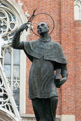 Statua di San Carlo Borromeo, Monza