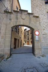 Puerta muralla pueblo de Laguardia (La Rioja , Alava)