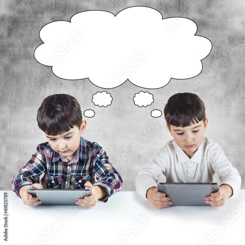 Niños jugando y comunicandose con tabletas digitales Poster