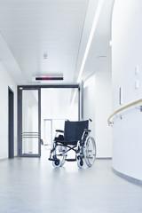 Rollstuhl Flur Krankenhaus