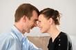Junges Paar glücklich verliebt