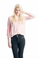 Blondes Mädchen mit langen Haaren