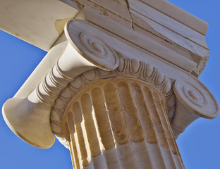 ancient greek  ionian order column detail
