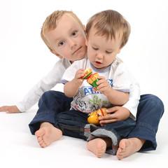 deux petits frères