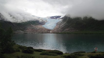 clouds on the glacier